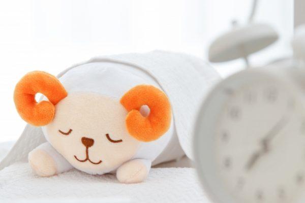 【寝相の意味】寝相でわかる性格・心理・運の状態。状態が変われば寝相も改善!